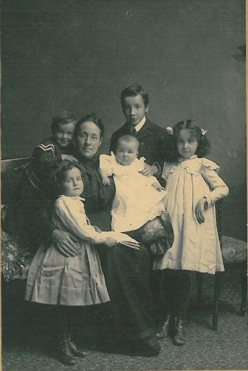 Rosalind Goforth with her children